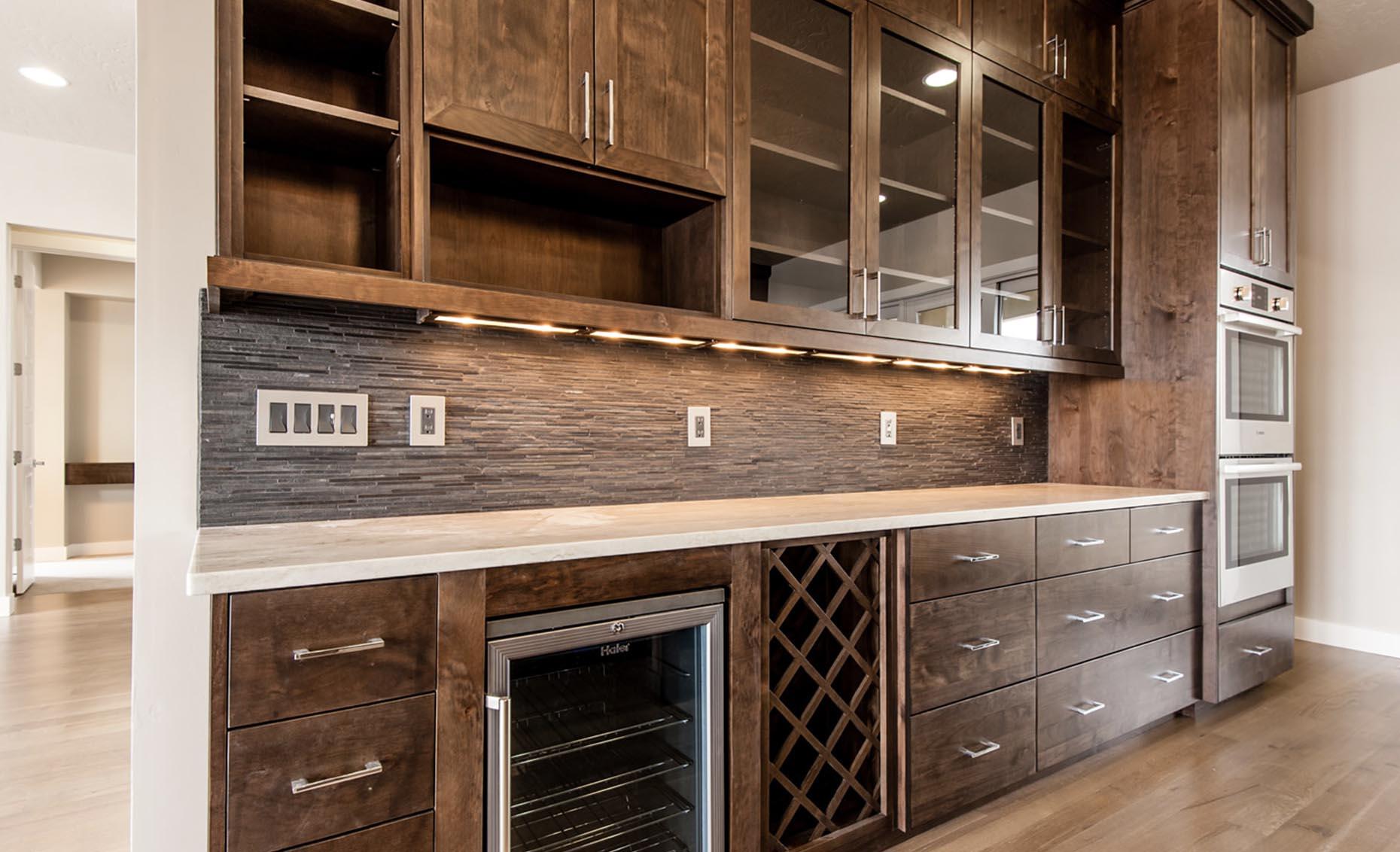 The Corrente Bello House Kitchen Counter and Storage