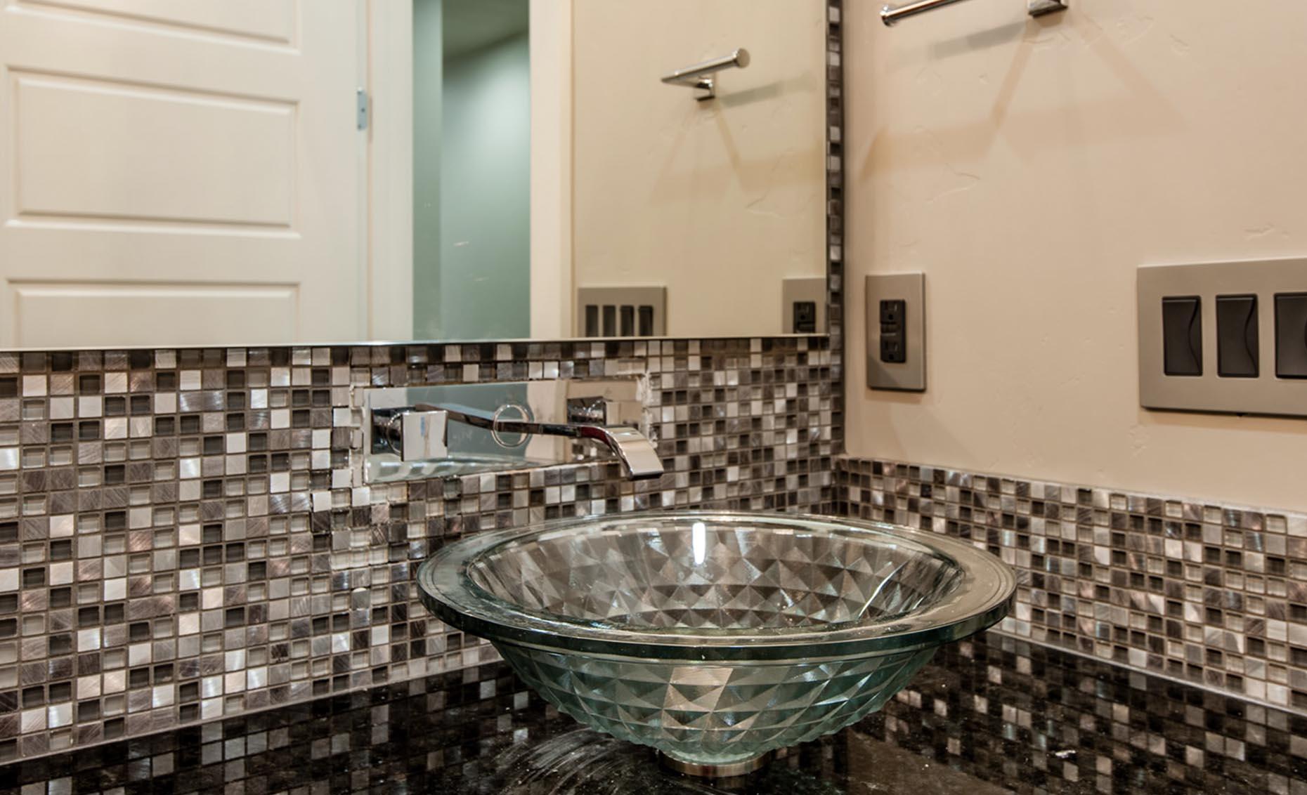 The Corrente Bello House Guest Bathroom