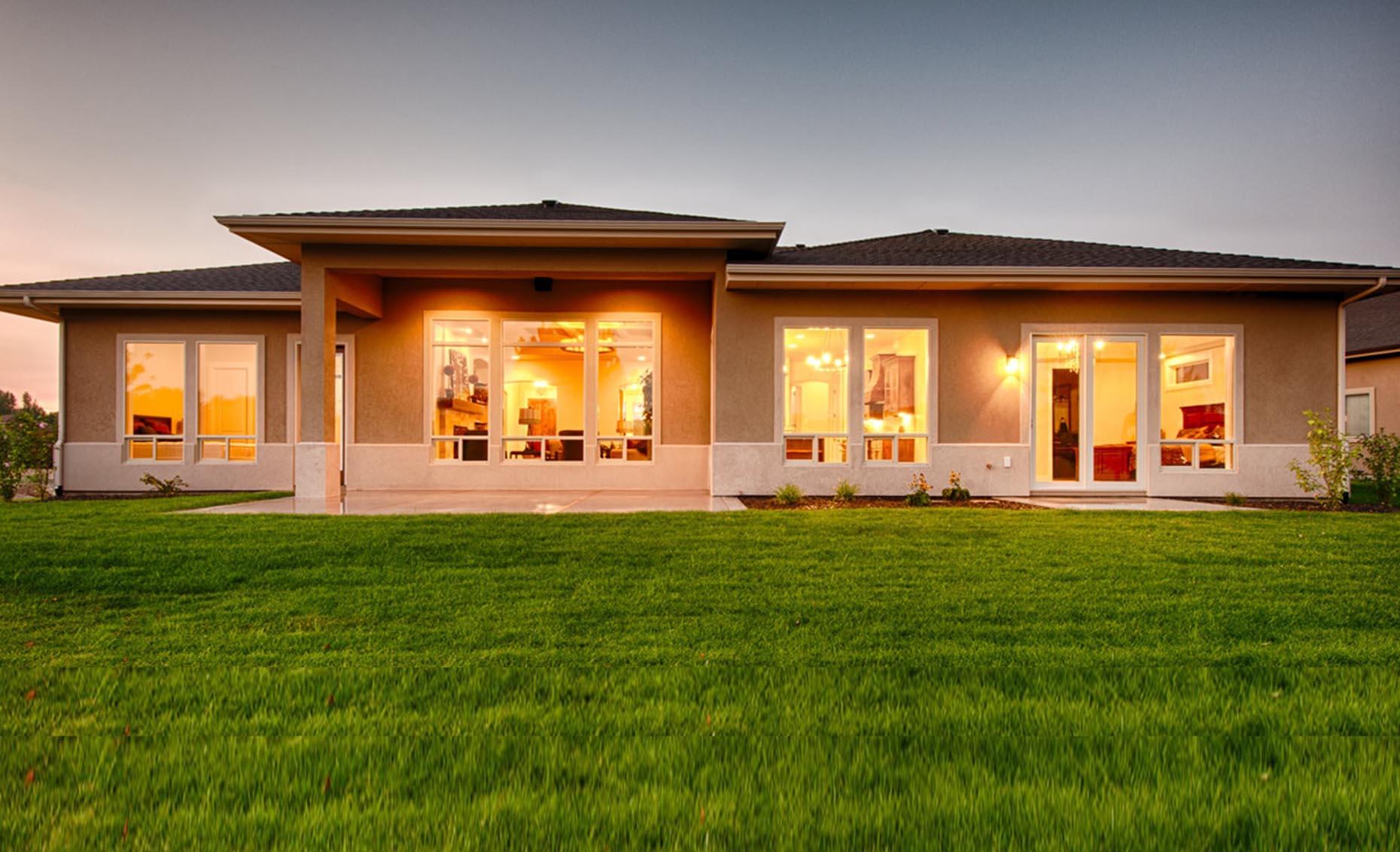 The Villa House Exterior Backyard