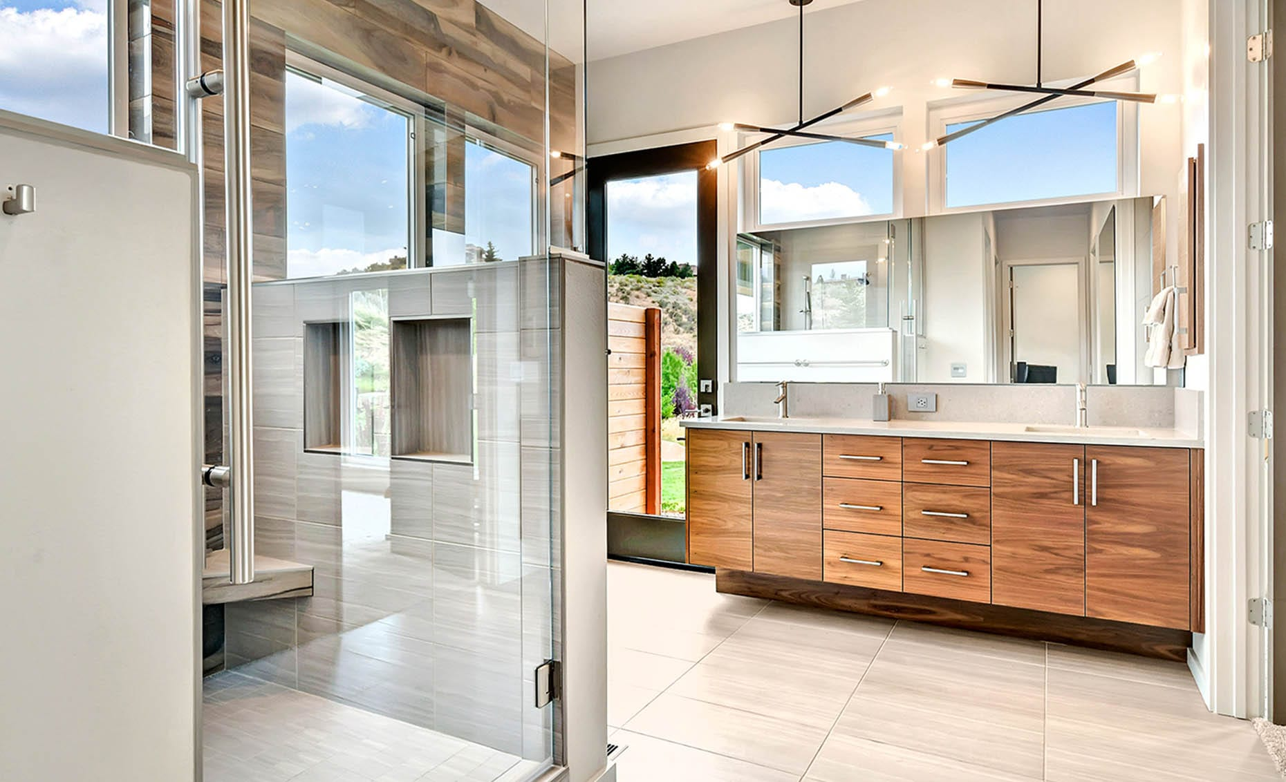 The Nature View Custom Home Master Bathroom
