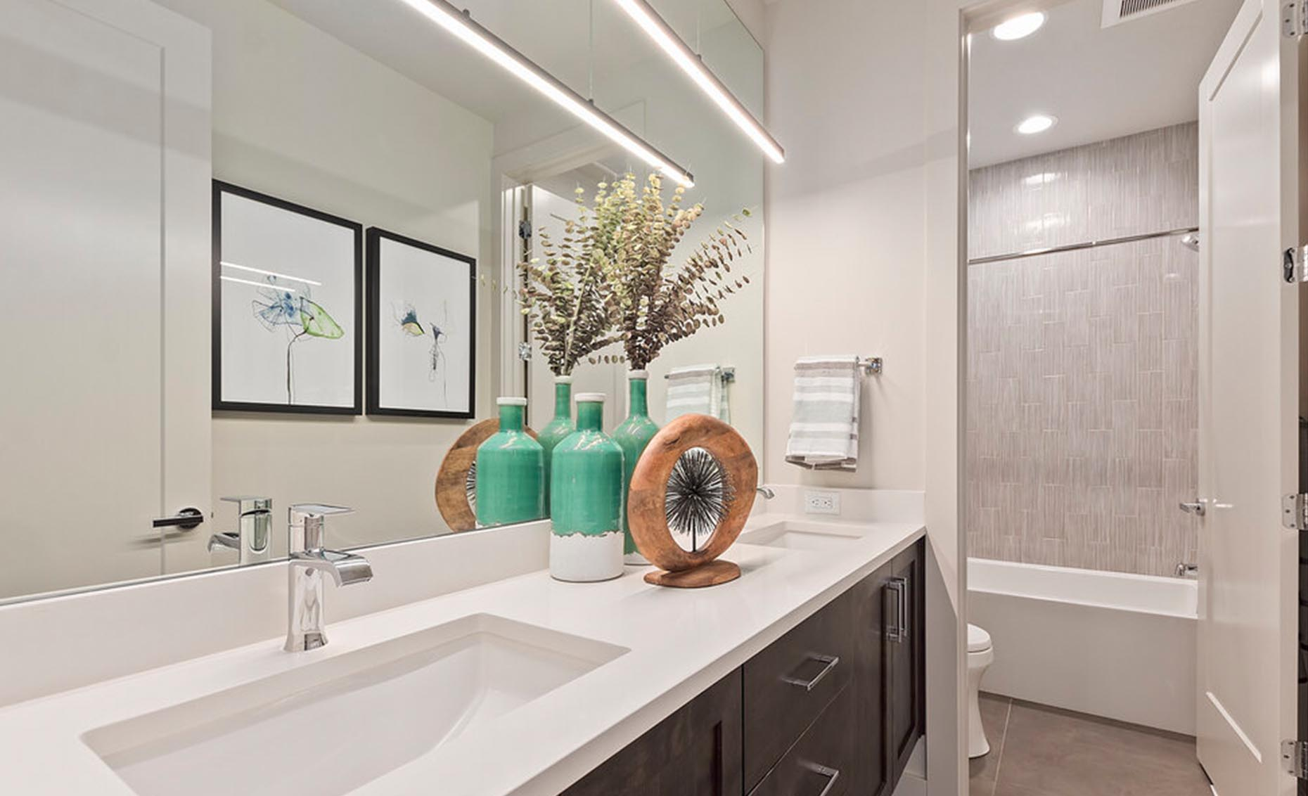 The Arrow | Guest bathroom