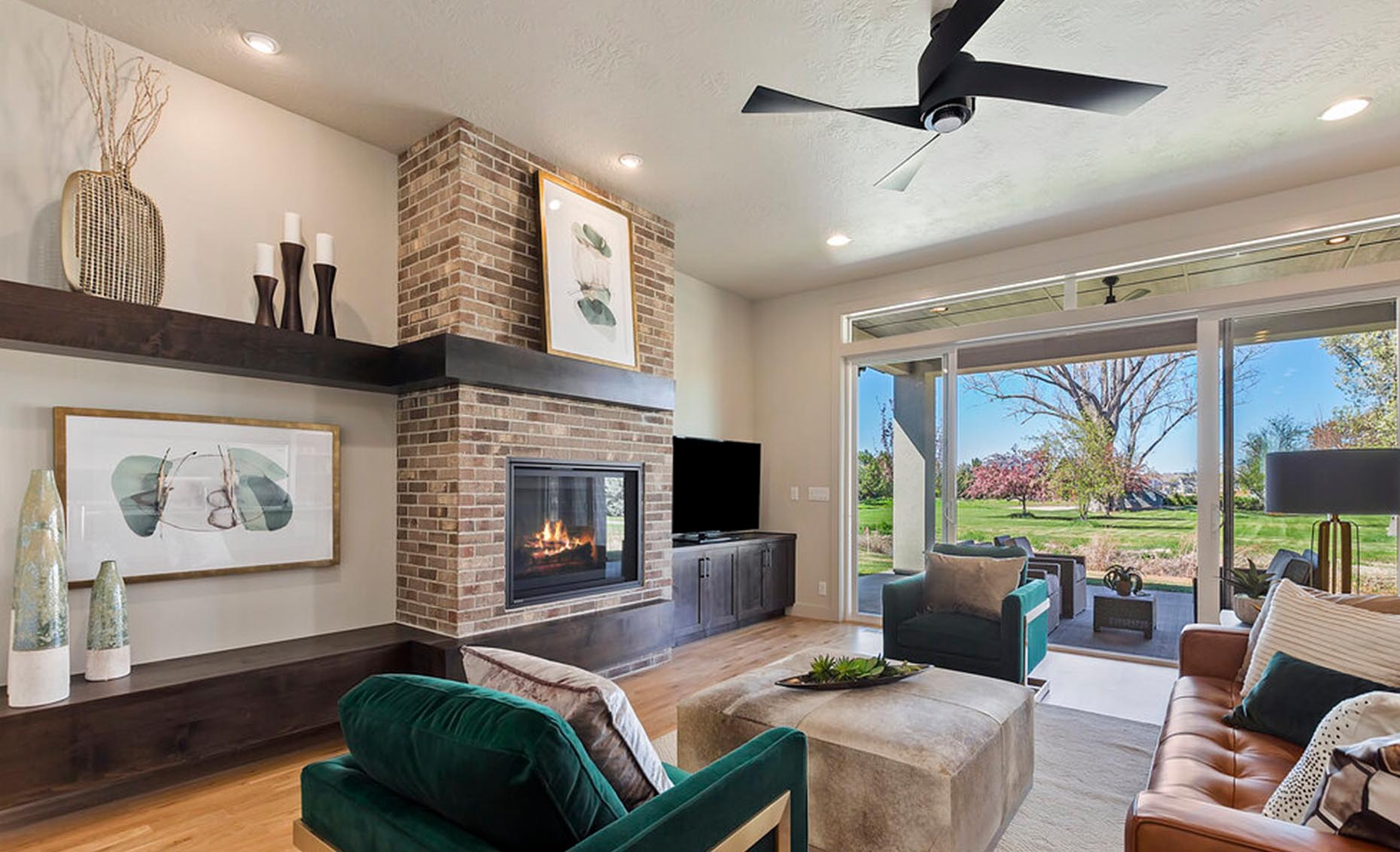 The Arrow   Living room area