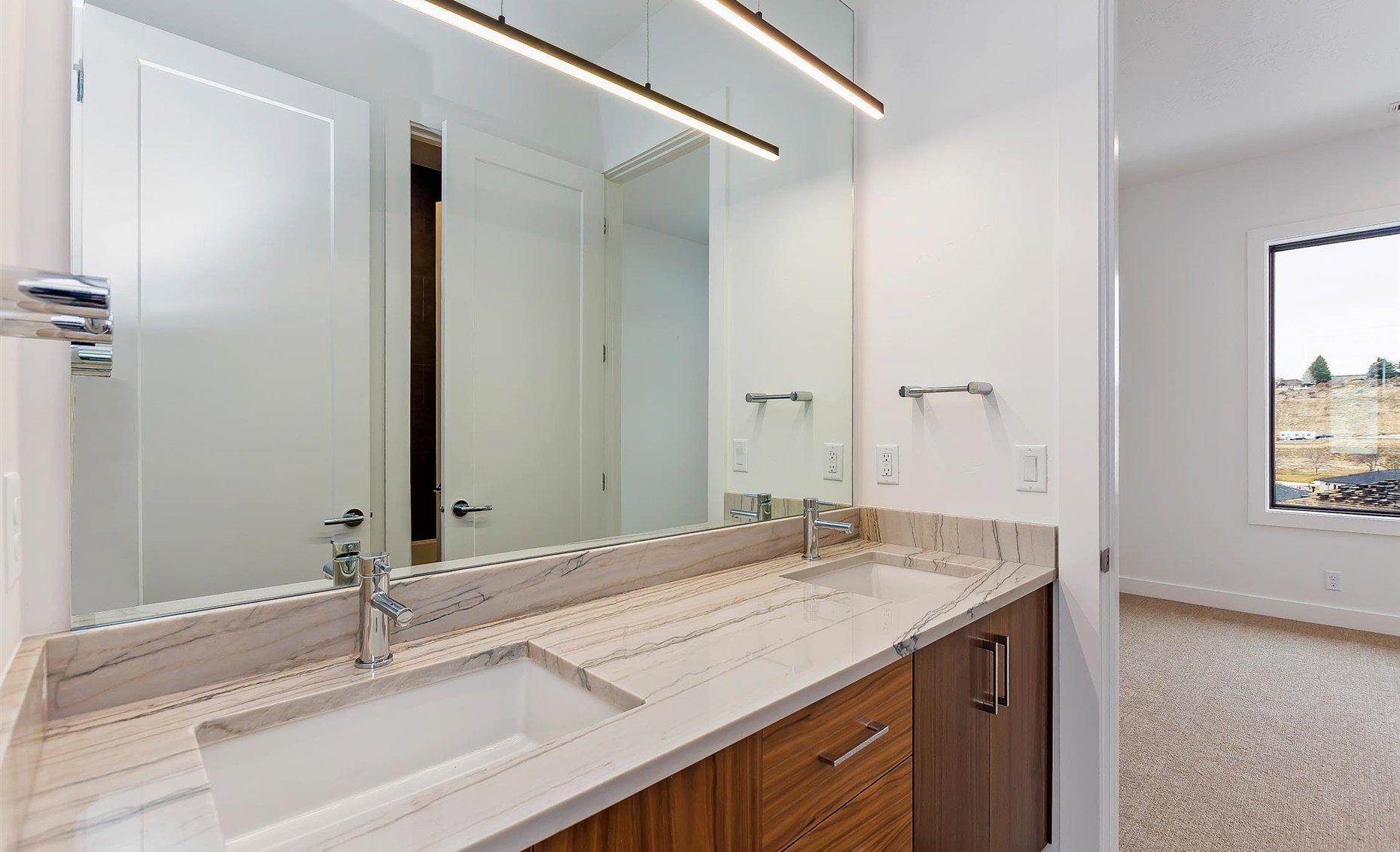 East Highland | Guest bathroom